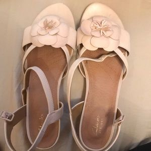Clark's beige sandals size 9